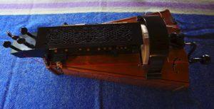 vintage collectable musical instruments for sale. Black Bedroom Furniture Sets. Home Design Ideas